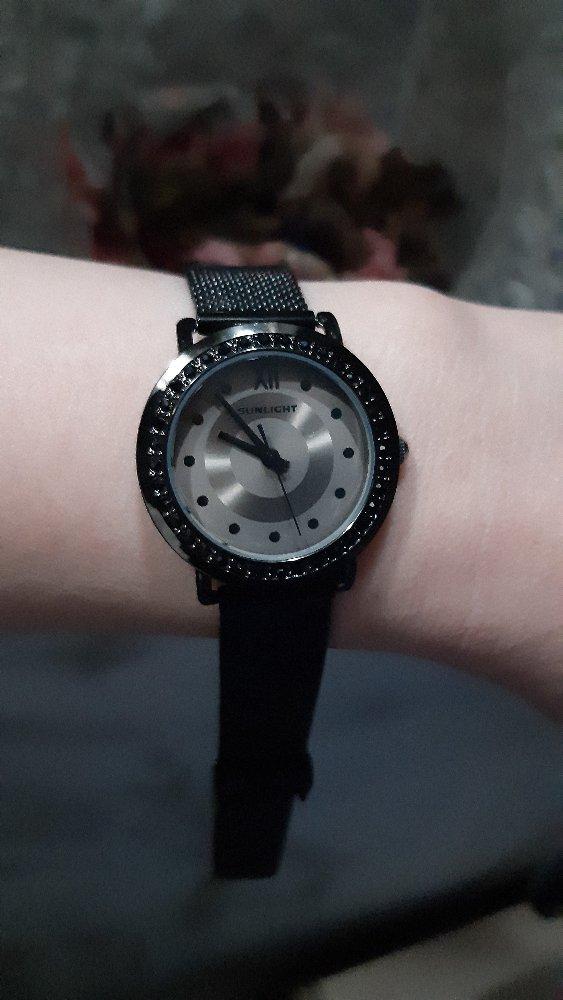 Часы очень понравились, покупала в качестве подарка дочери, ей понравилось