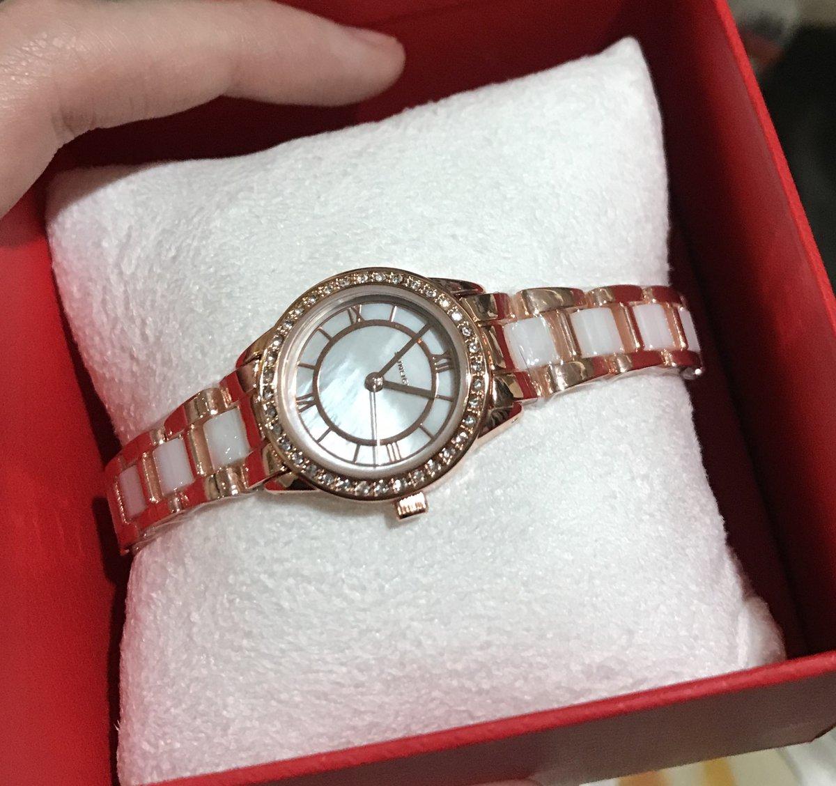 Женские часы очень красивые