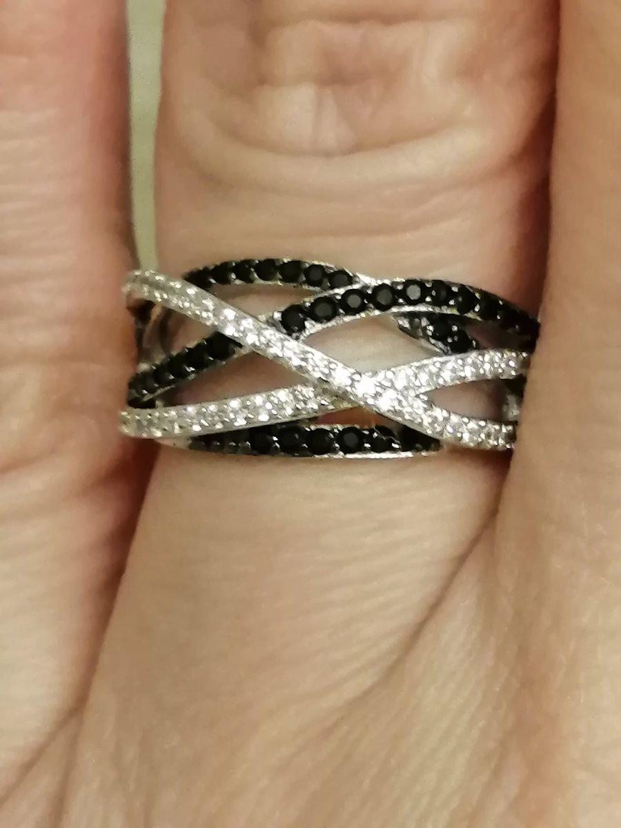 Кольцо с черно белыми фианитами