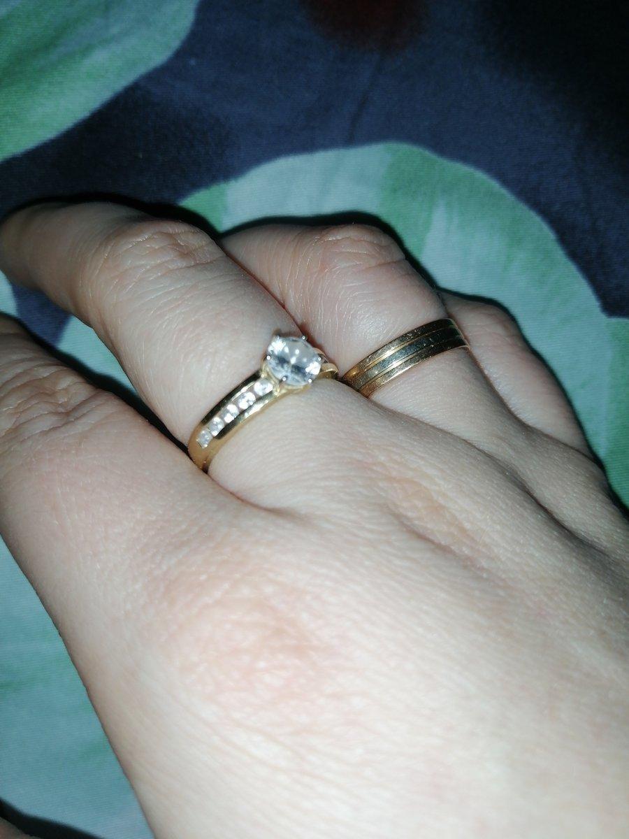 Это бомбическое кольцо.