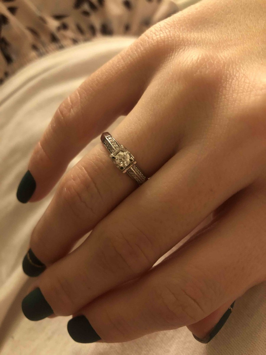 Кольцо отличное,минус совесм нет