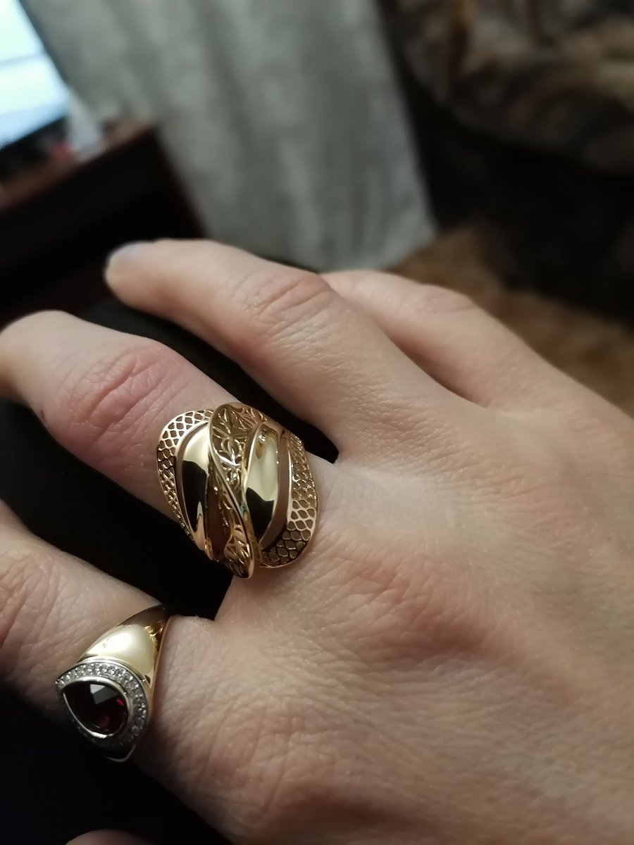 Золотое колечко с рубином и бриллиантами класс!!!