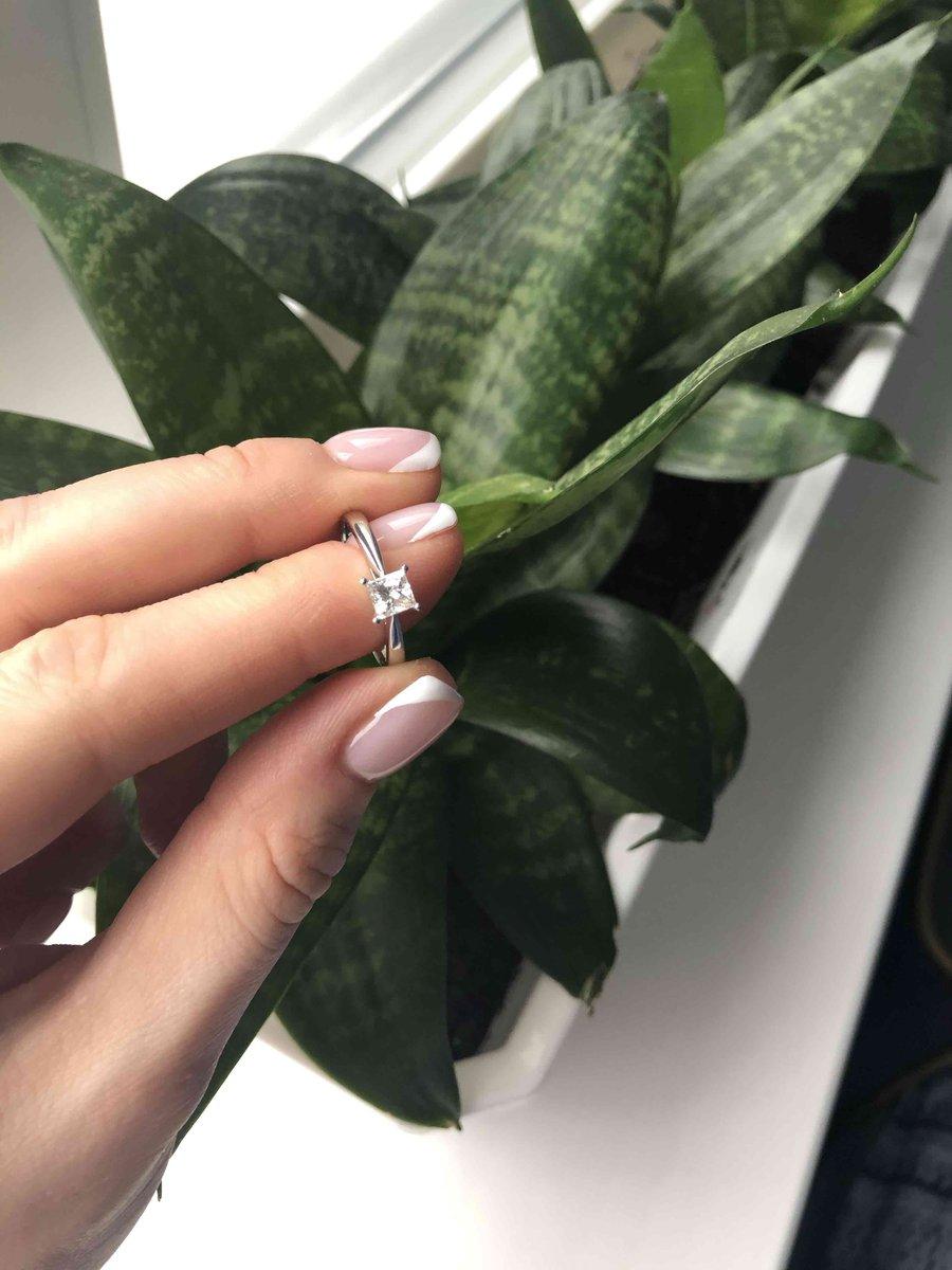 Нежное и одновременно яркое кольцо