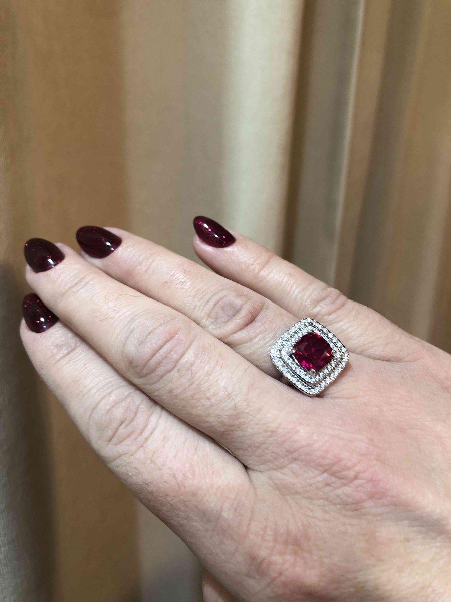 Роскошное кольцо на выход!!!