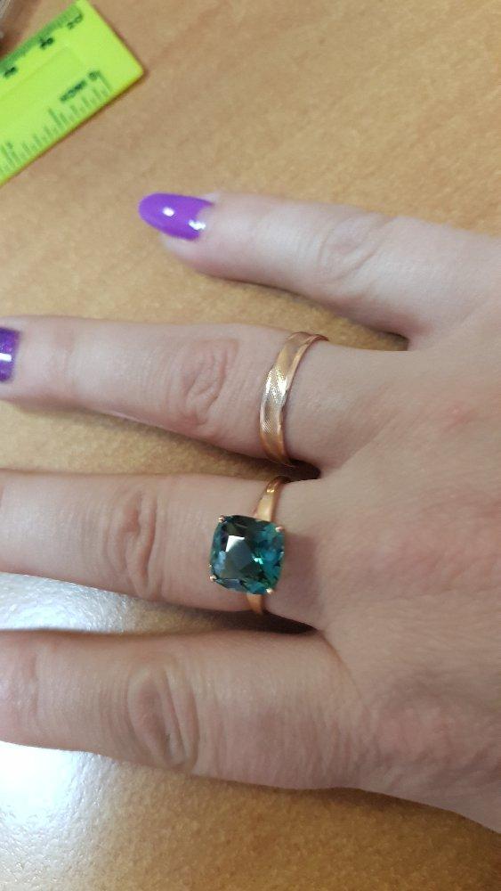 Золотое кольцо с кварцем.