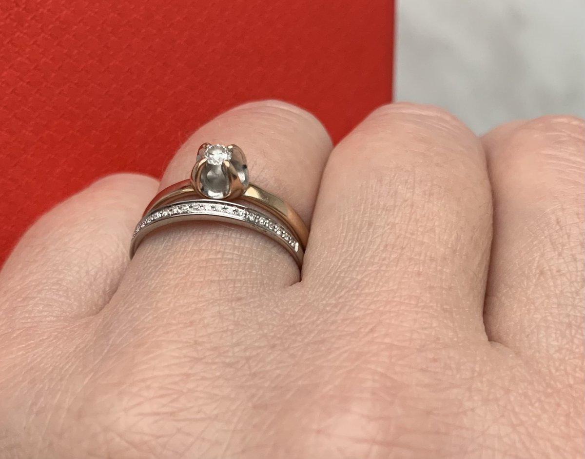 Колечко 💍 из бедлго золота, с бриллиантами - по цене серебра !