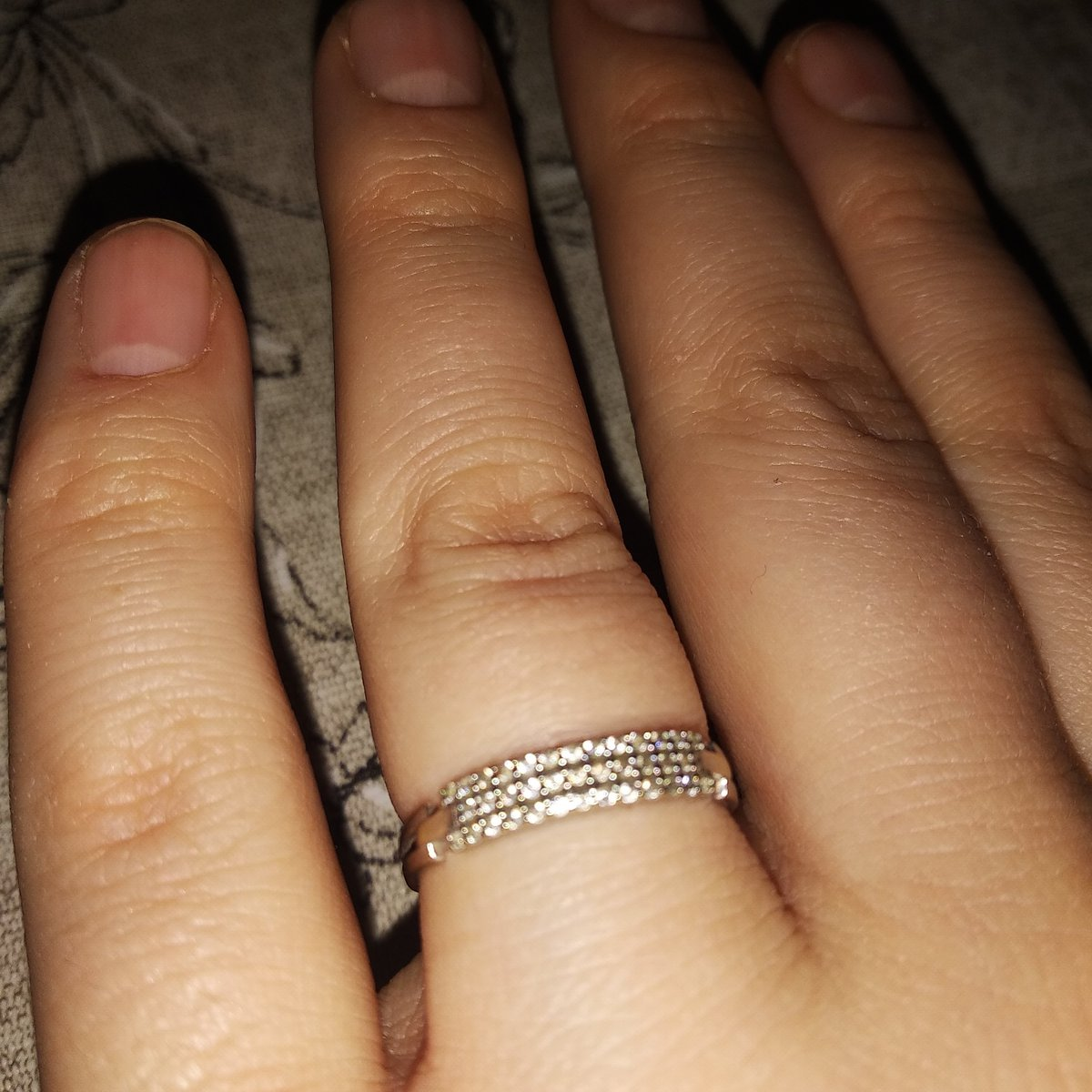 Купил кольцо жене