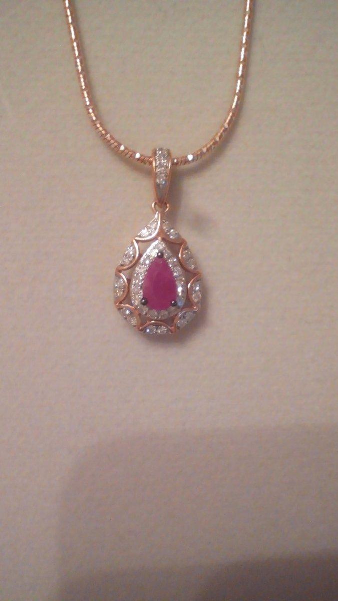 Шикарная подвеска с рубином и бриллиантами