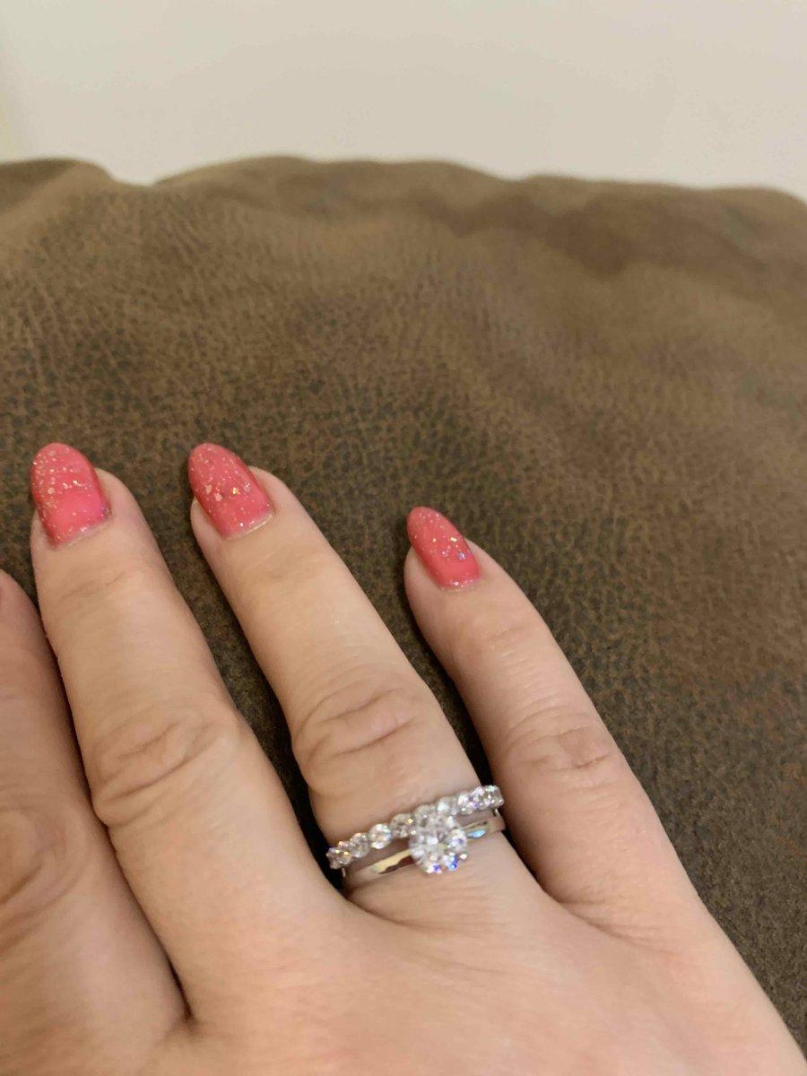 Офигенное кольцо! мне очень понравилось! советую к покупке!!