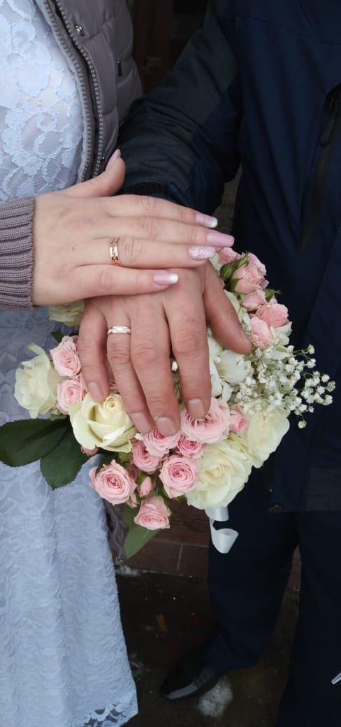 Обручальное кольцо просто бомба, все родственники и друзья были в восторге.