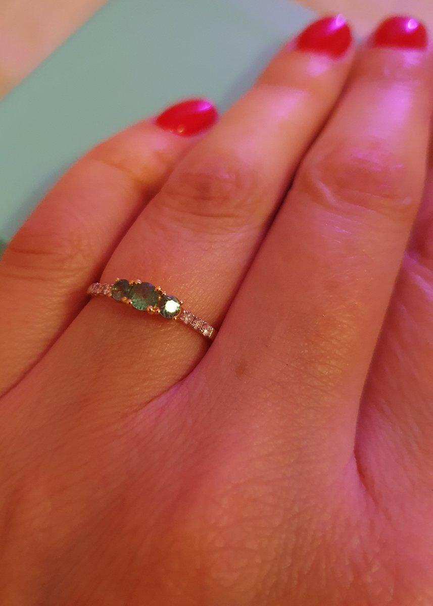 Милое утонченное кольцо