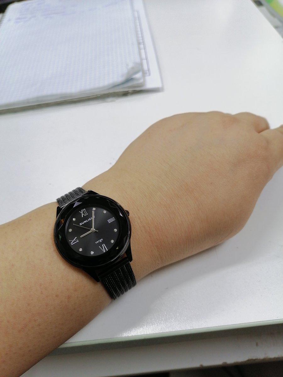 Красивые и стильные часыпрекрасно сели на руке. коллеги по работе оценили.