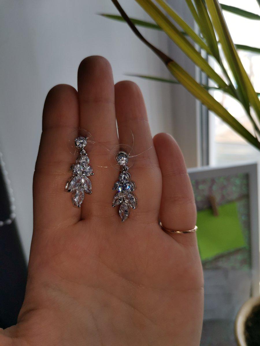 Серьги серебряные с фианитами , очень понравились!