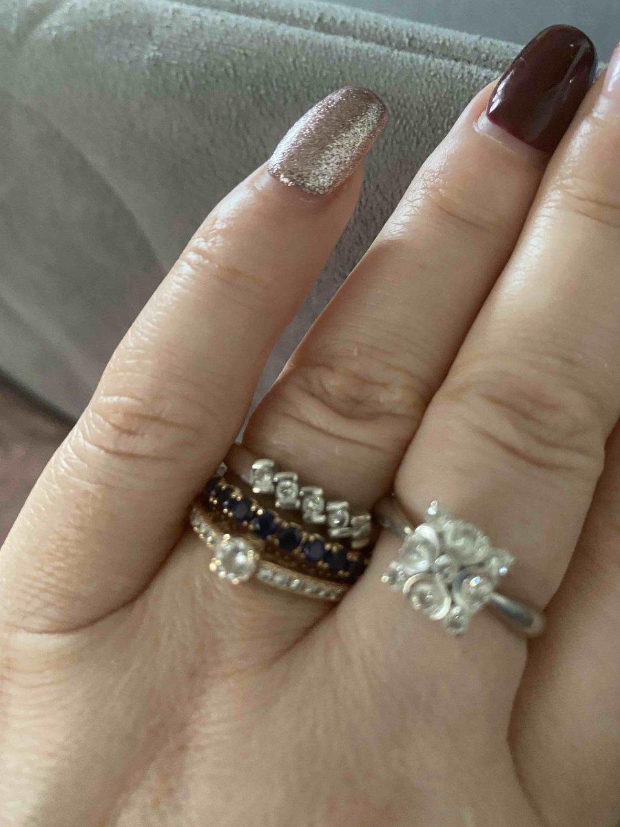 Кольцо с сапфировой дорожкой