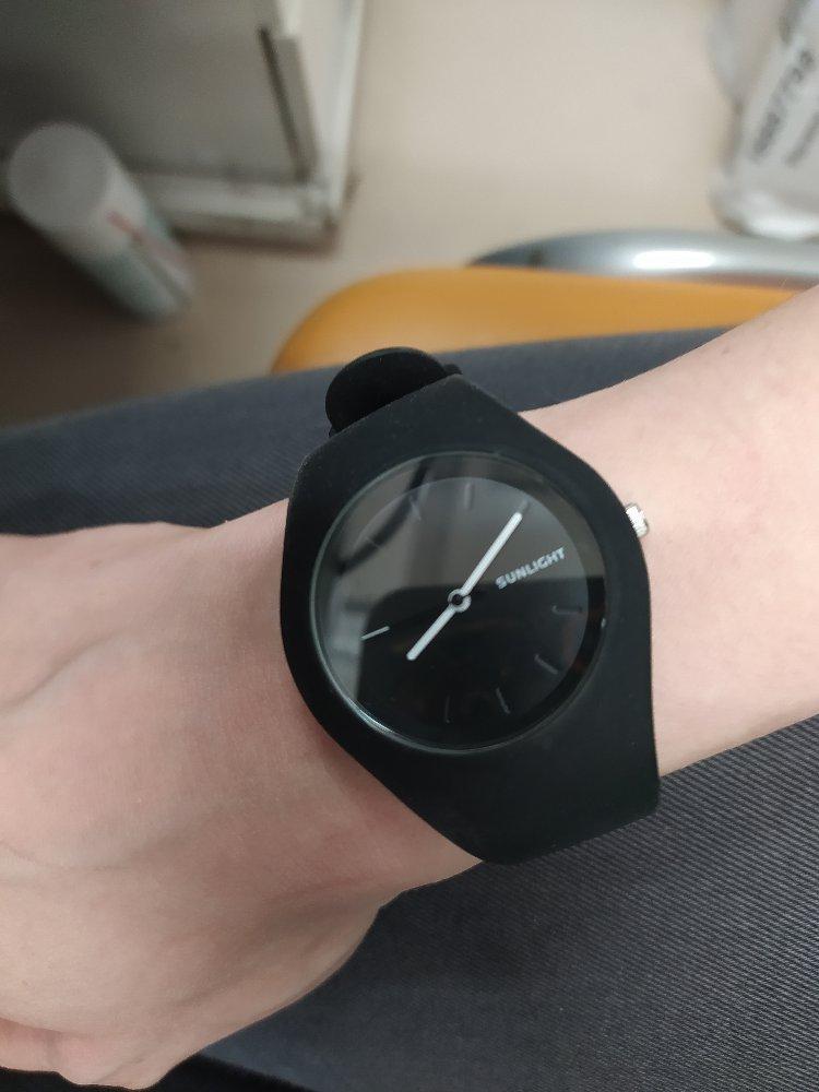 Часы на руку.
