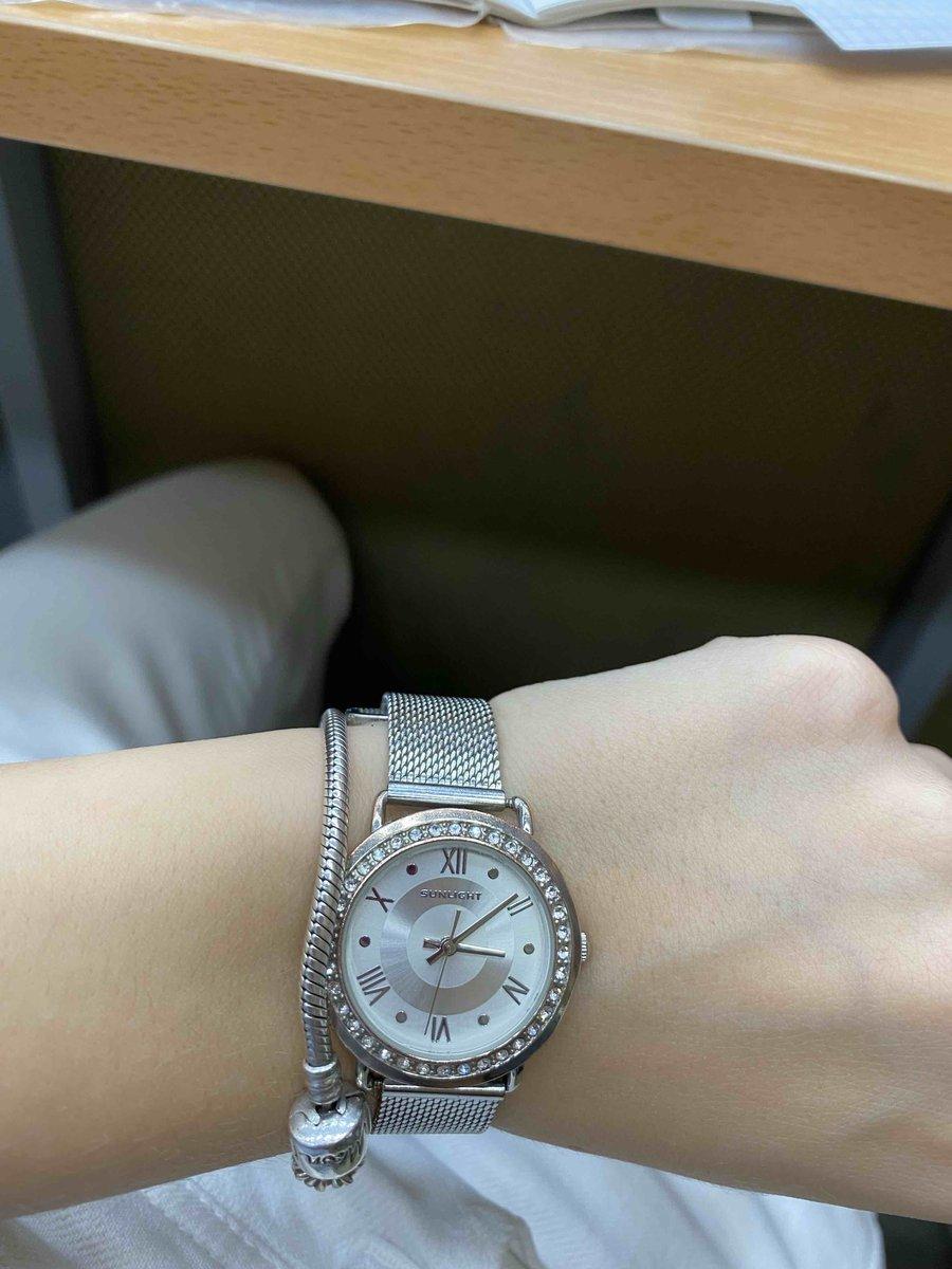 Часы очень красивые)