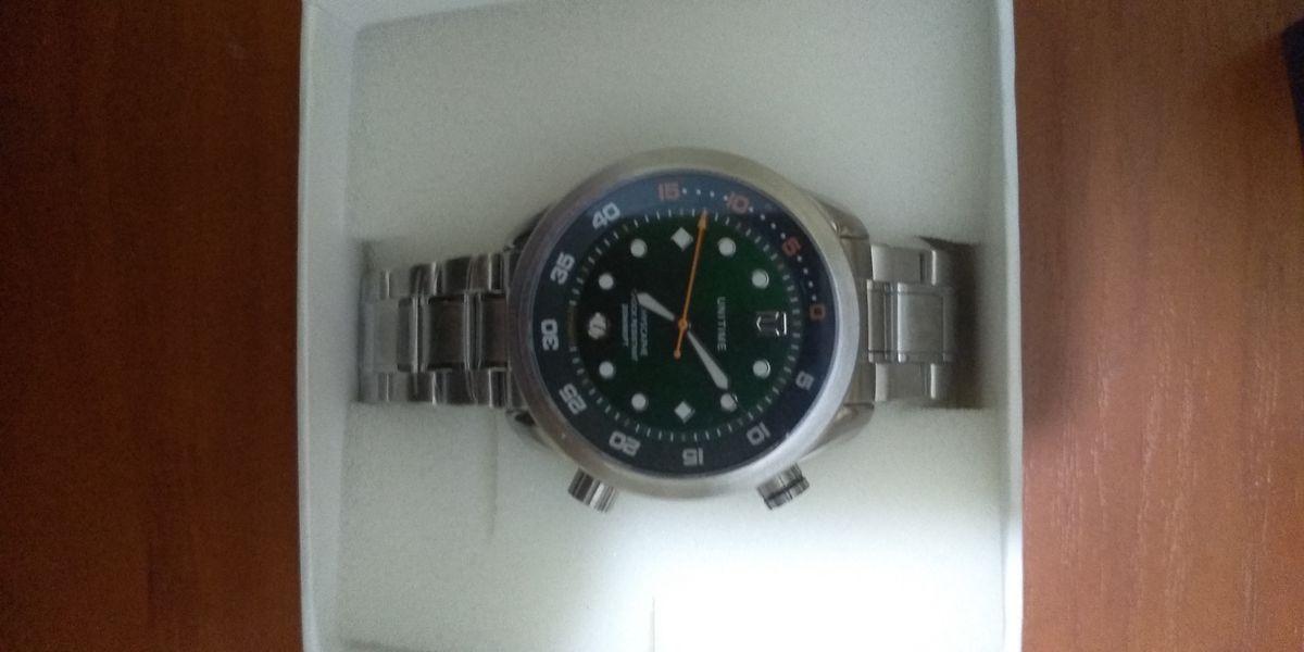 Купил часы в магазине