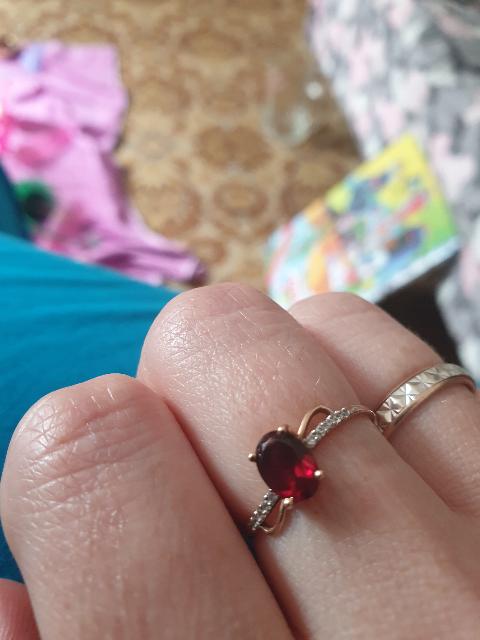 Кольцо. отличный подарок на день рождения.