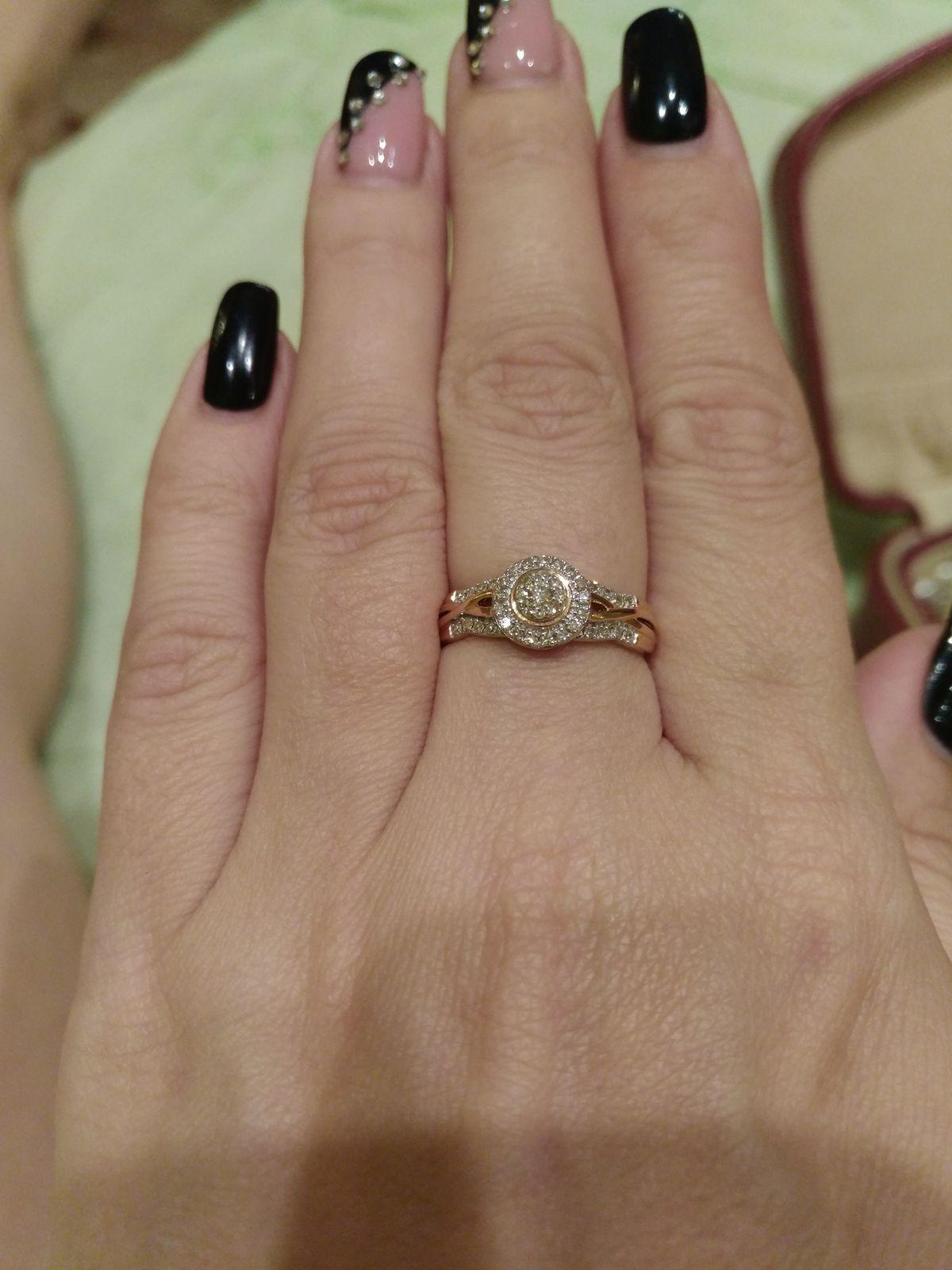 Нежное, ослепительное кольцо