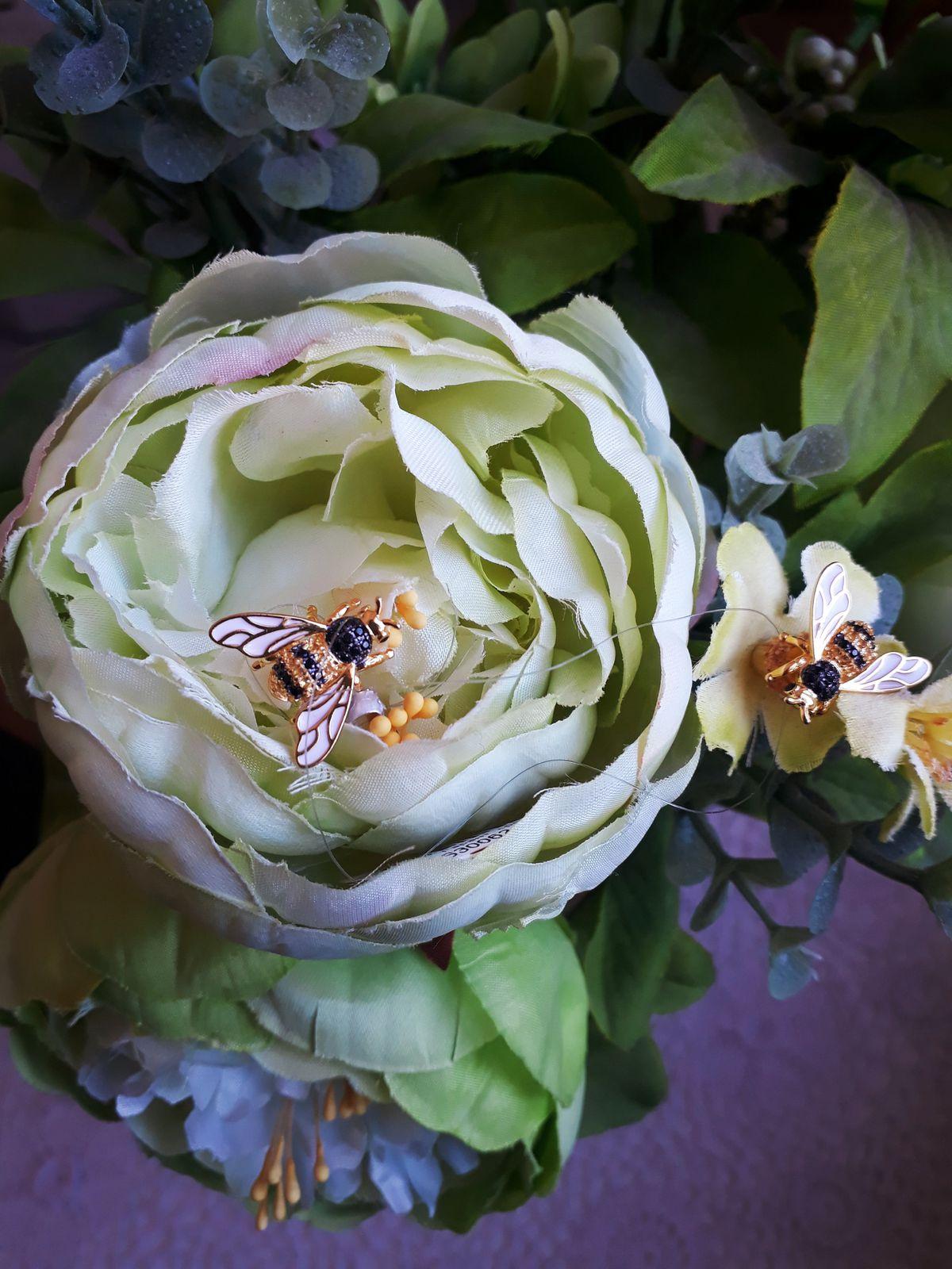 Супер реалистичные пчелки