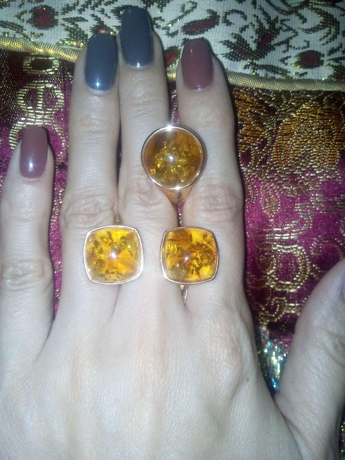 Отличные янтарные серьги медового оттенка ...