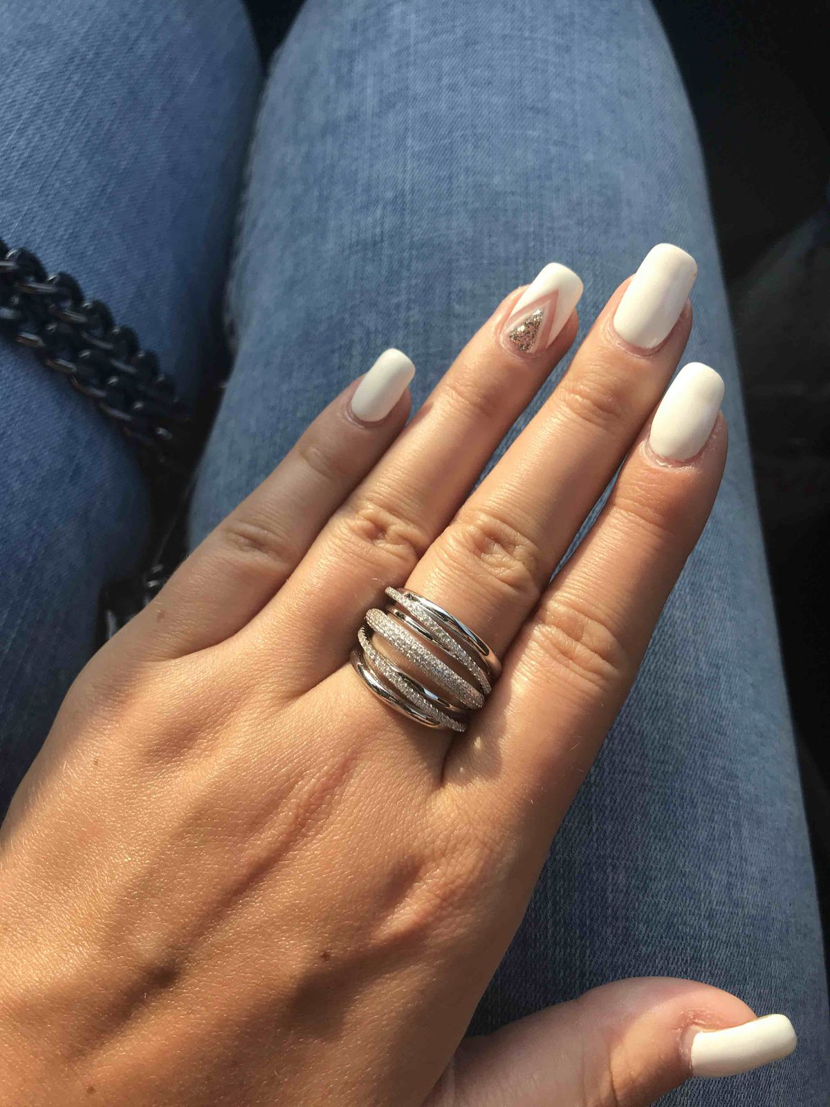 Очень симпатичное кольцо за такую стоимость.