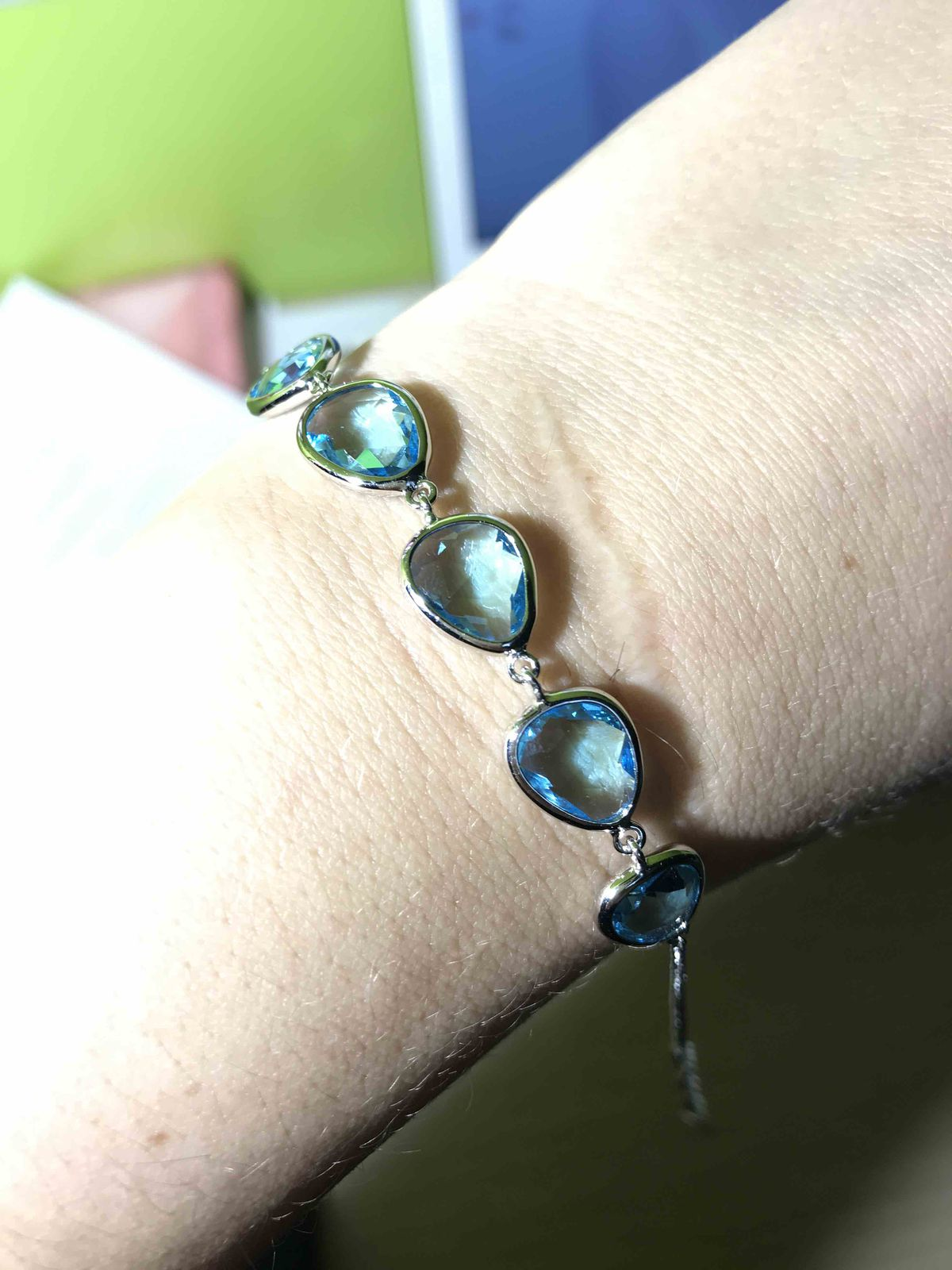 Голубой браслет