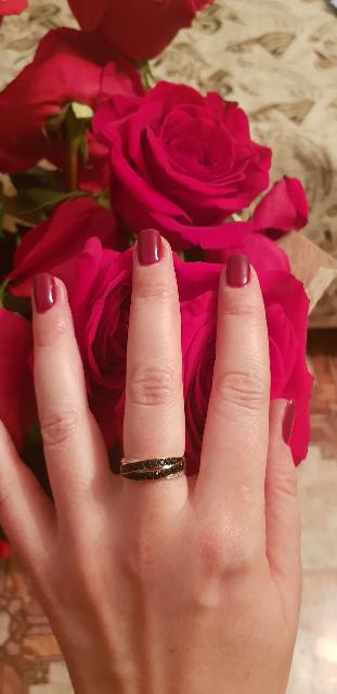 Красивое кольцо с бриллиантами и сапфирами!