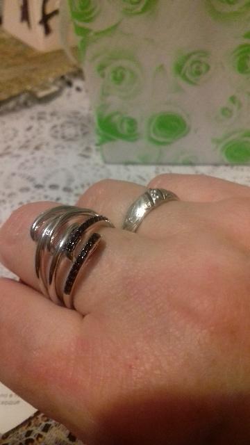Кольцо чудесное!!!необычное -самое главное!на подарки- лучший вариант,класс