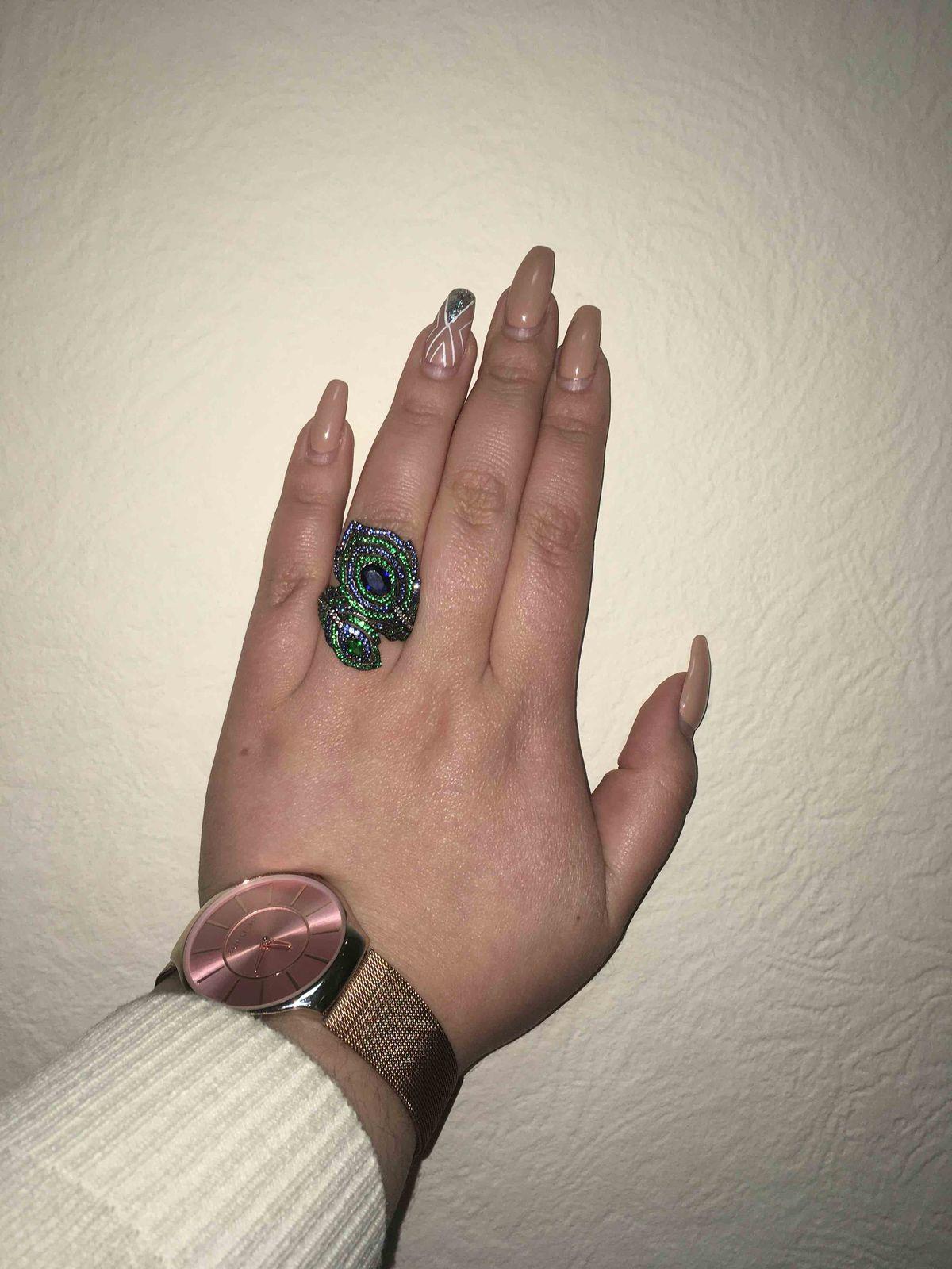 Кольцо великолепное