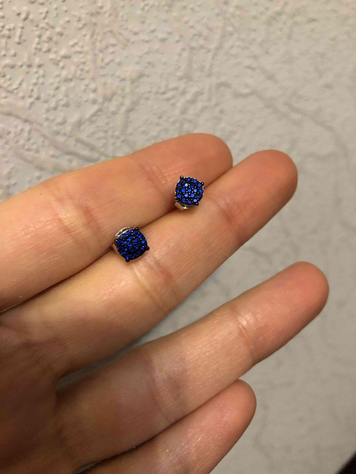 Синие гвоздики