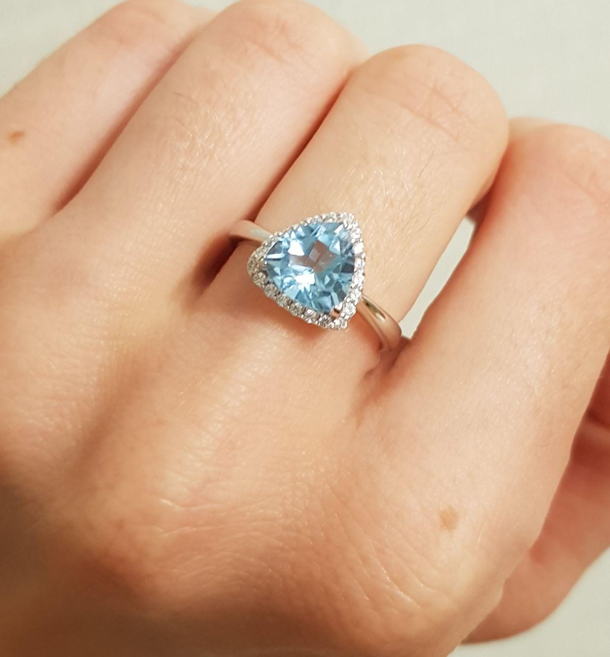 Неземной красоты кольцо