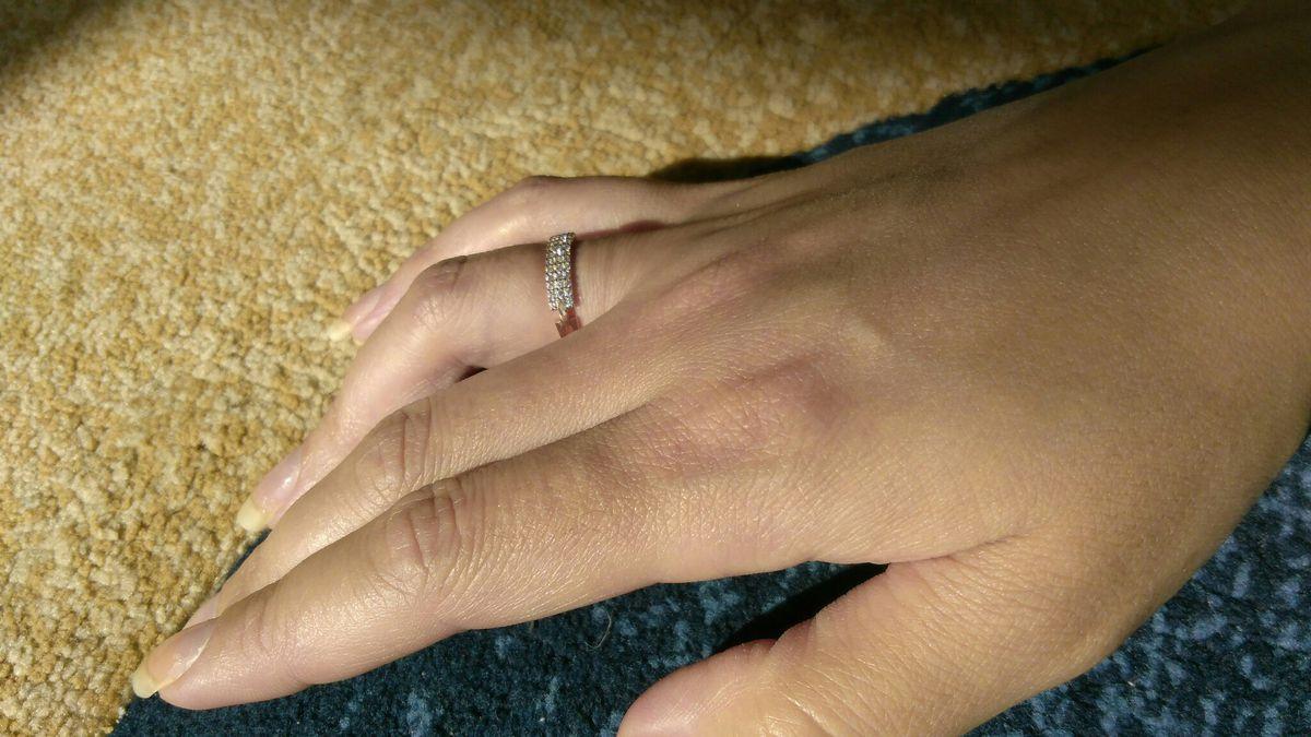 Шикарное миниатюрное кольцо