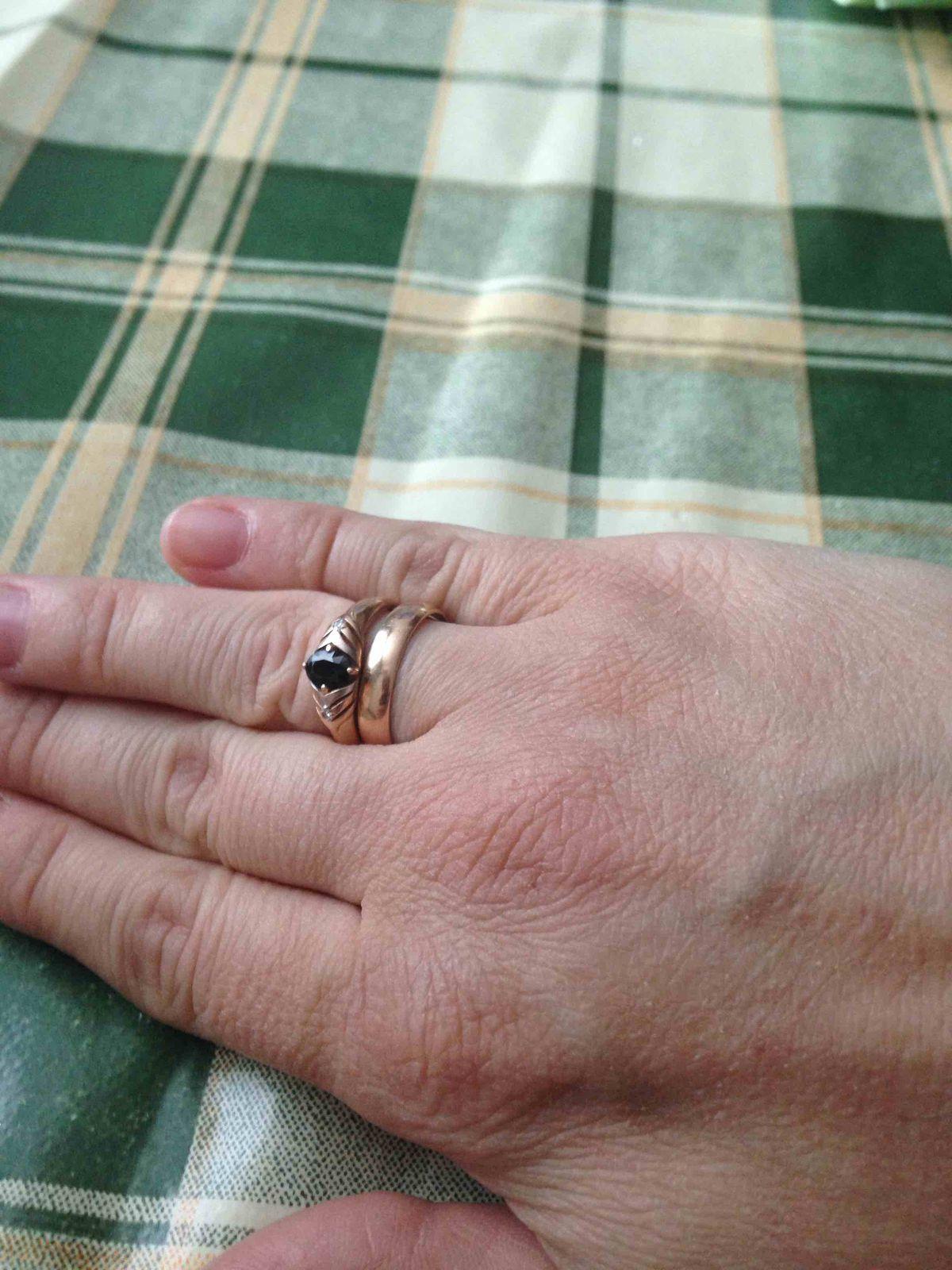 Кольцо с синим сапфиром