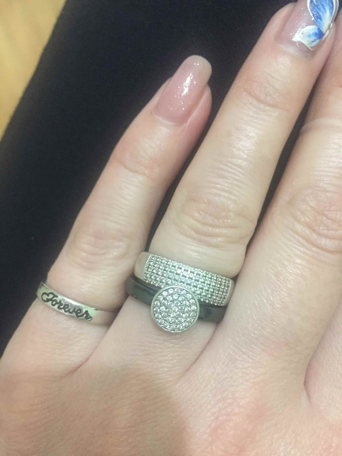 Мои любимые ювелирные изделия - это кольца.