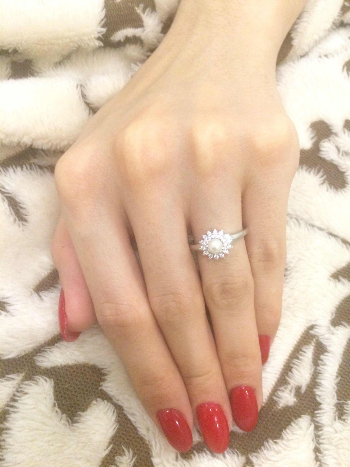 Кольцо с жемчужиной и камнями