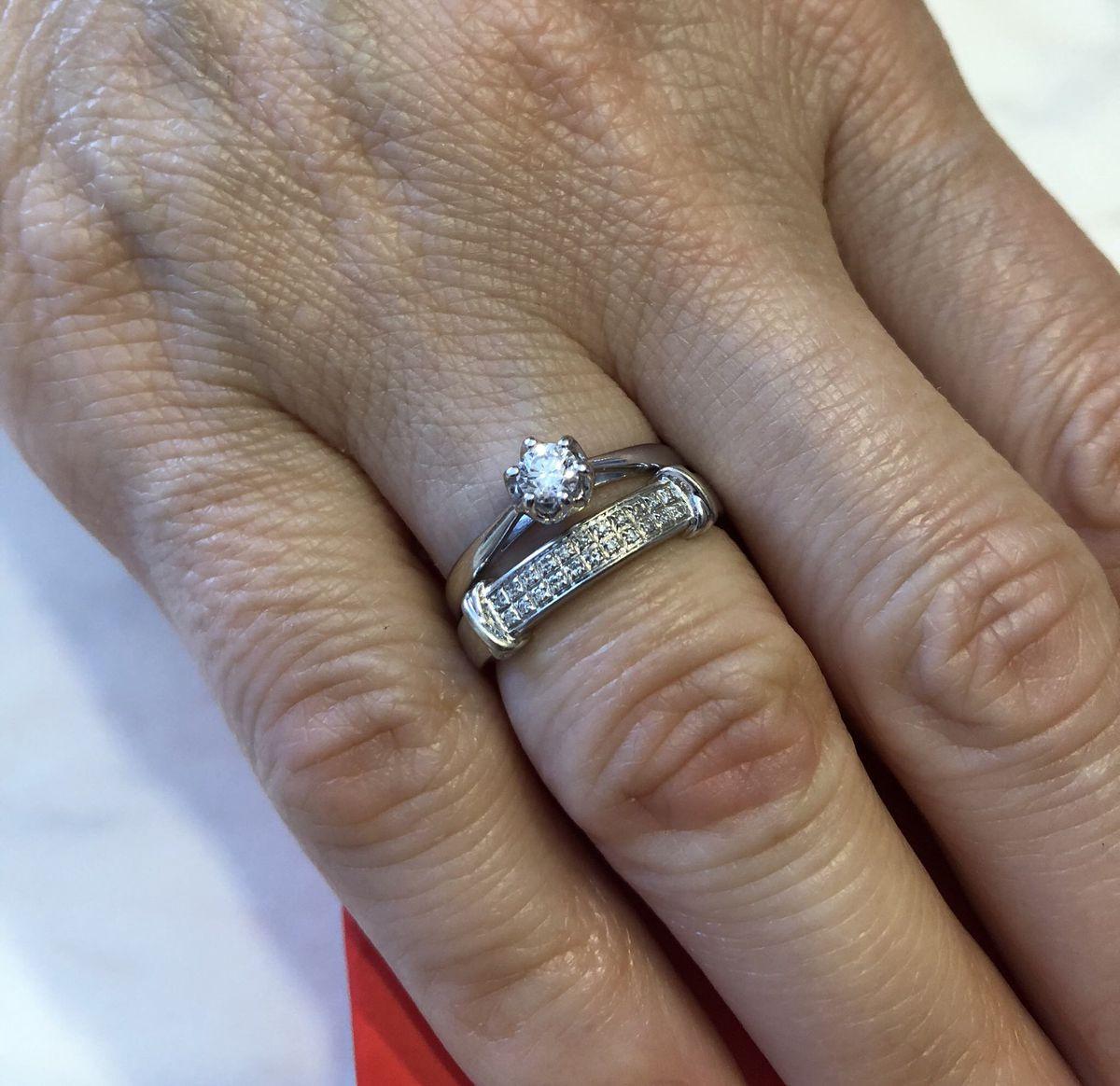 Кольцо с бриллиантом 💍