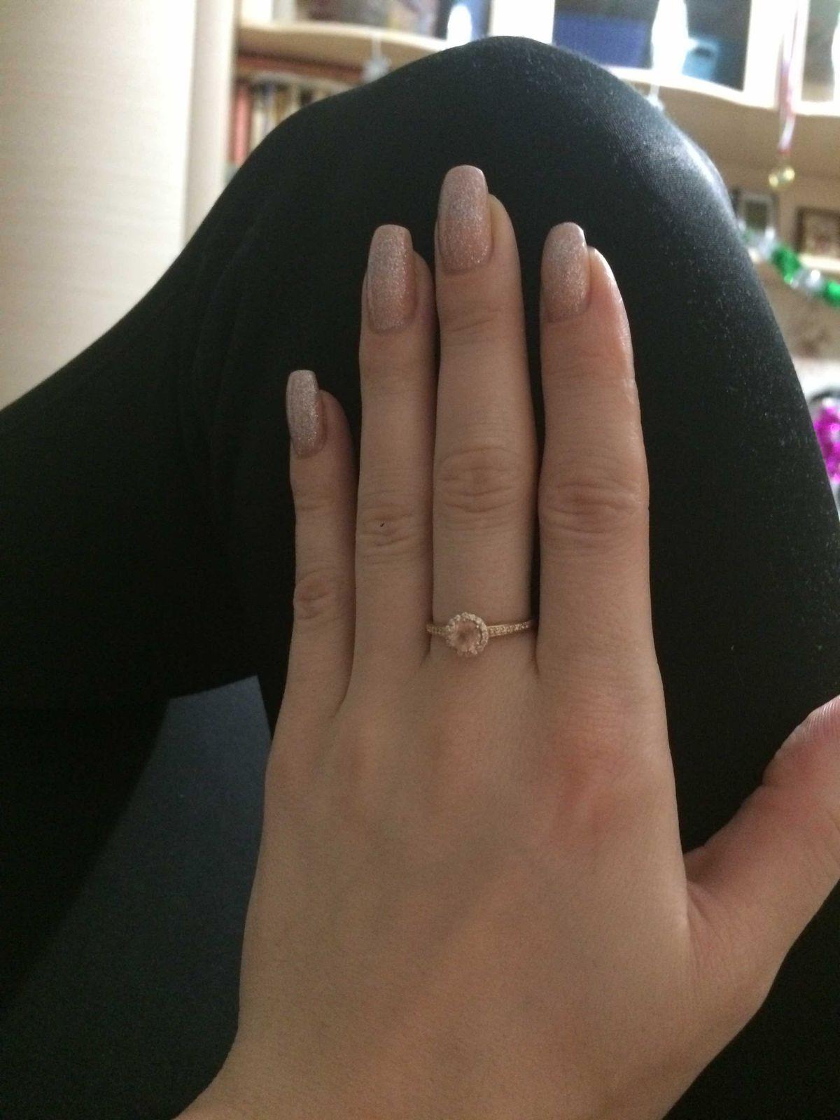 Кольцо розовый фианит к,нежность☺️