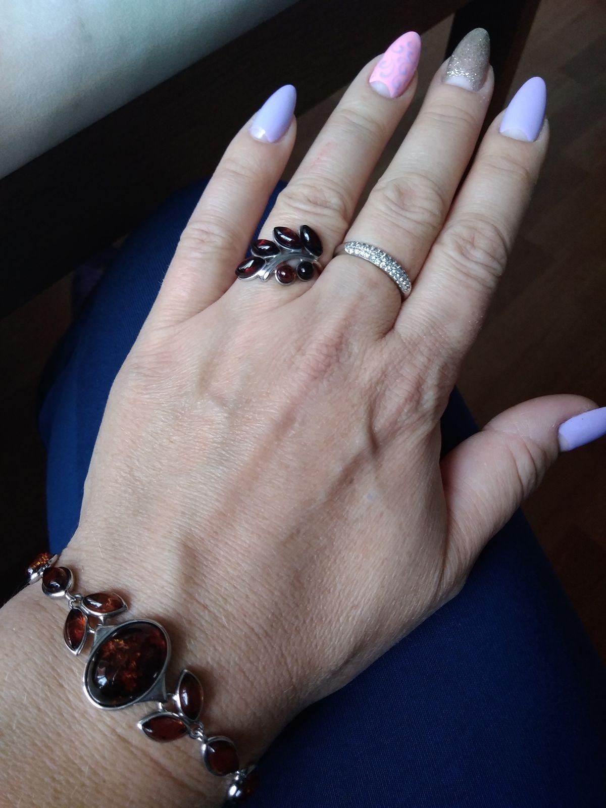 Кольцо с янтарной веточкой
