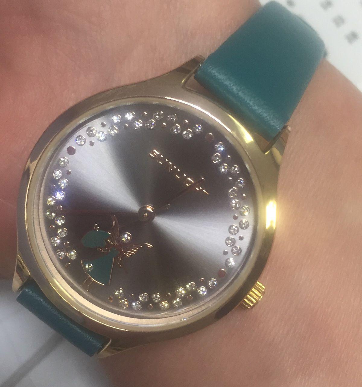 Стильные и милые часы
