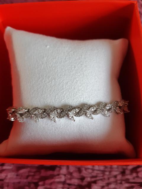Красивые браслет