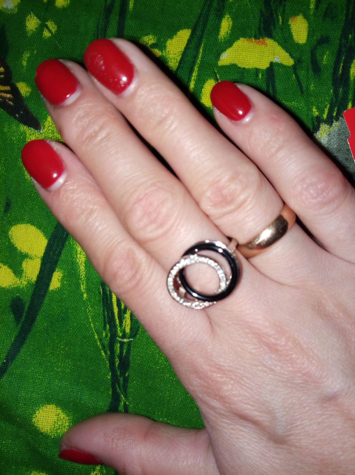 Изящное 💍 кольцо
