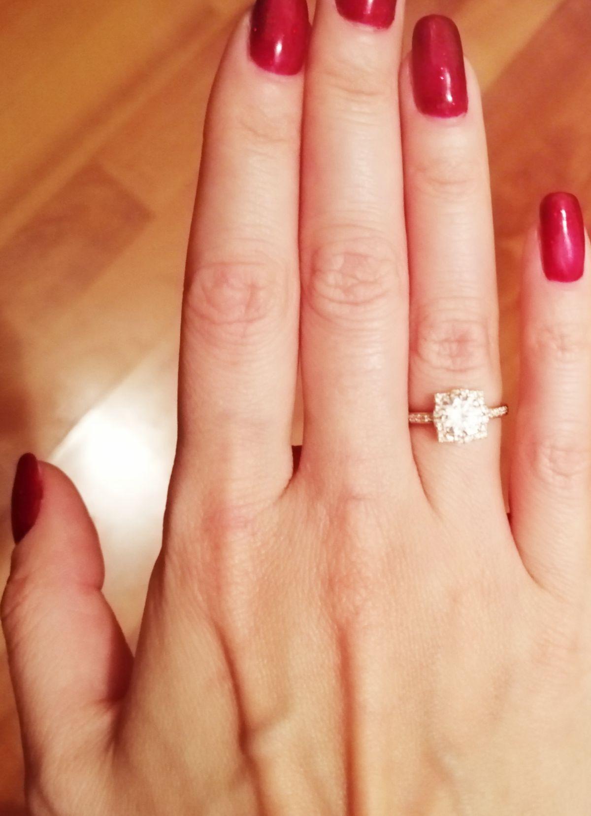 Кольцо для помолвки 😉