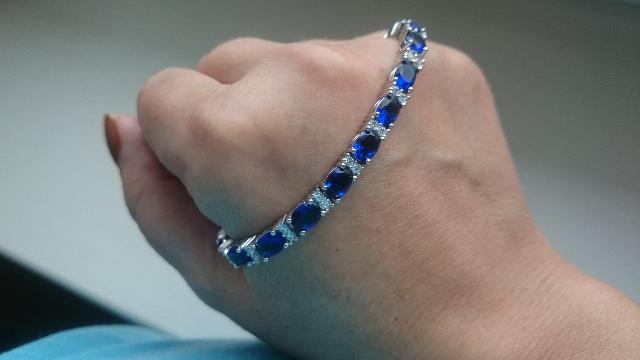Браслет с глубокими ,синими камнями