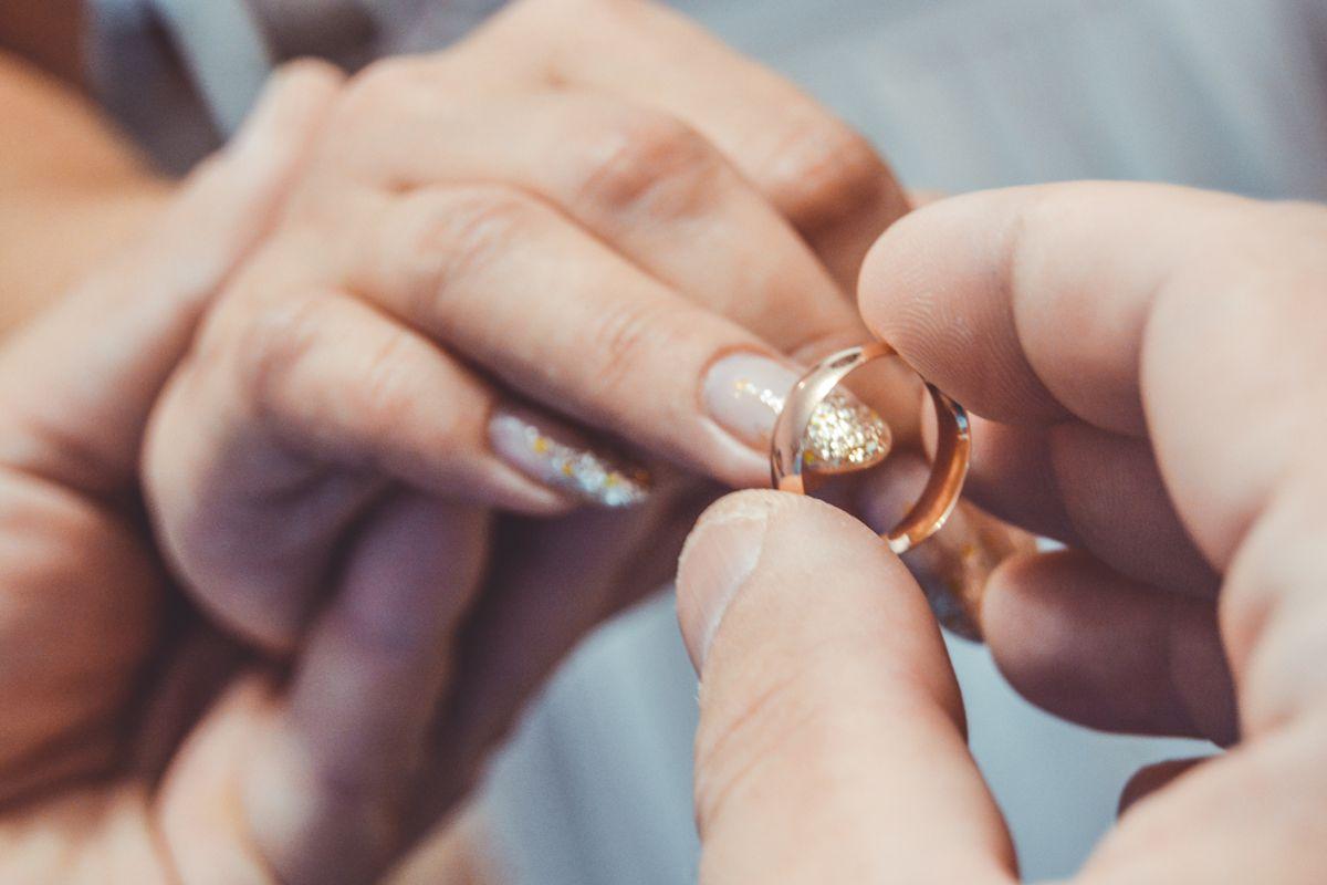 Очень изумительные обручальные кольца