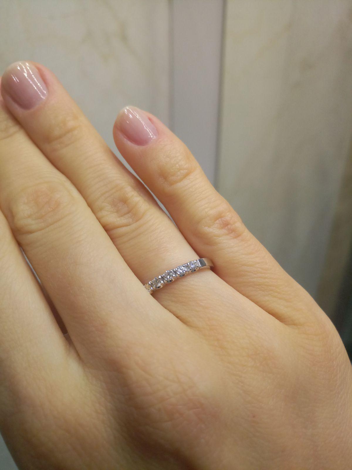 Красивая дорожка бриллиантов