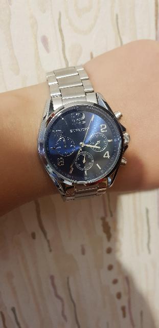 Отличные наручные часы за смешные деньги.