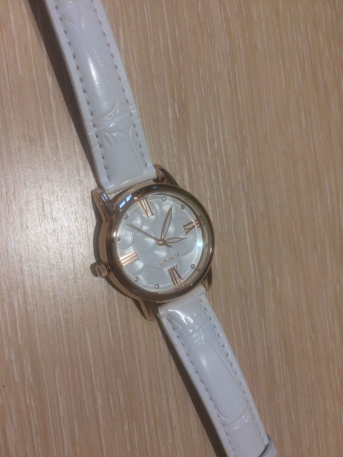 Отличные, стильные часы
