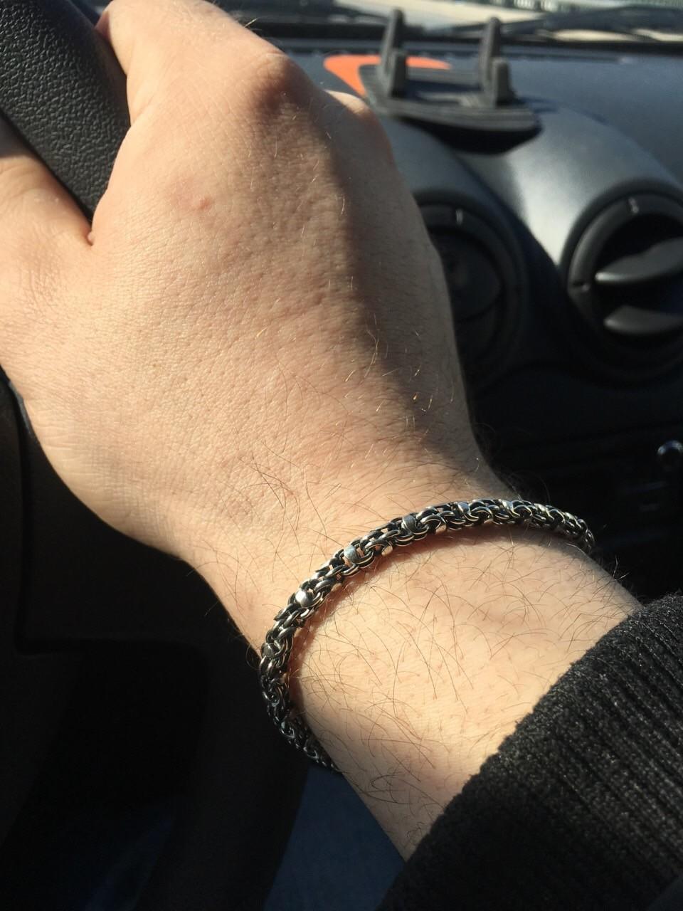 Красивый и брутальный браслет