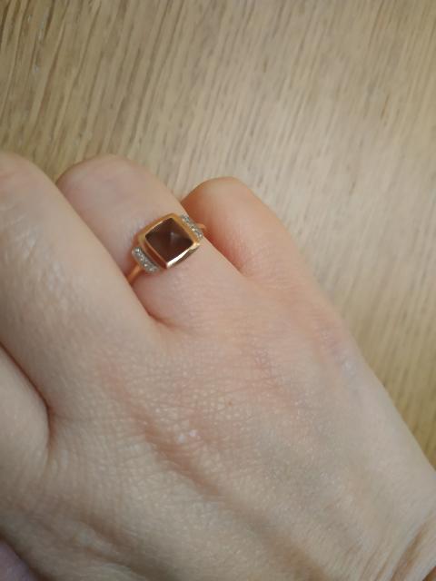 Заказала через приложение кольцо,пришло даже раньше срока.